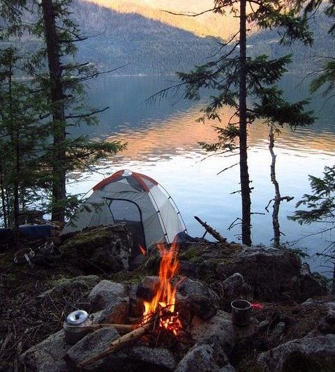 Camping et Randonnée par Delphine et Merissa